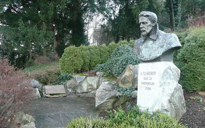 Памятник Чехову в Баденвайлер (Германия). | Фото: musei-smerti.ru.