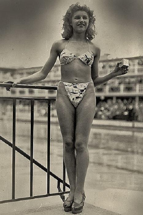 Мишелин Бернардини - первая, кто осмелился надеть на себя бикини.   Фото: thebester.ru.