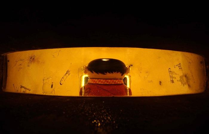 Человечек в бункере - скульптура от бразильского тандема.