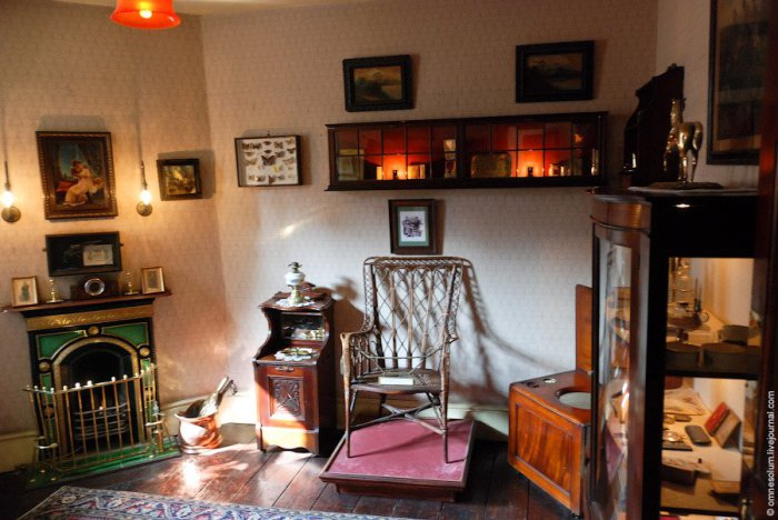 Комната доктора Ватсона в доме-музее Шерлока Холмса. | Фото: loveopium.ru.
