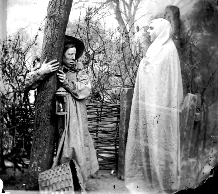 Постановочная фотография, популярная в XIX веке.   Фото: mashable.com.
