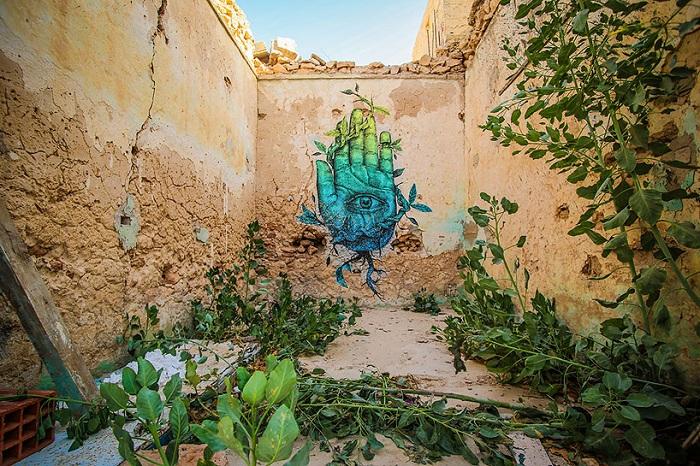 Стрит-арт в одной из деревень Туниса.