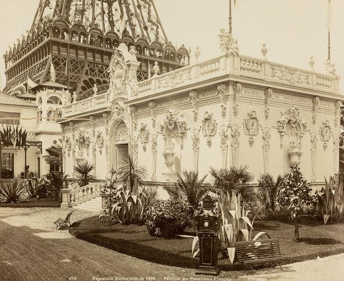 Французский павильон. | Фото: mashable.com.