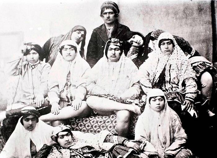Женщины из гарема иранского шаха Насер ад-Дин ШахКаджара. | Фото: bigpicture.com.ua.