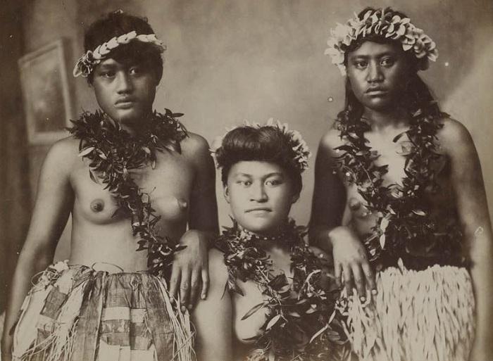 Ретро-снимки гавайских женщин конца 19 века.