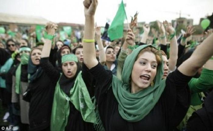 Зеленая революция 2009 года. | Фото: img0.temakazan.ru.