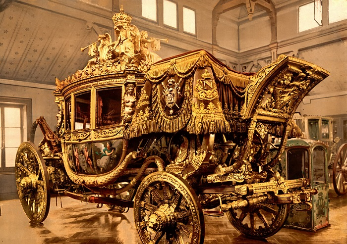 Карета короля Франции Карла Х. Версальские конюшни. | Фото: fiveminutehistory.com.
