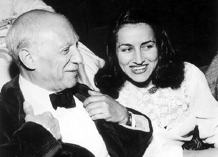 Пабло Пикассо и его муза Француаза Жило.