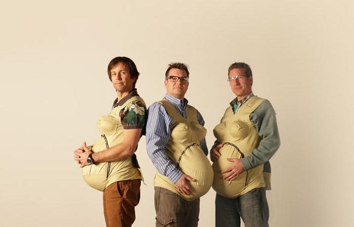 «Беременные» мужчины - проект ко дню Матери.