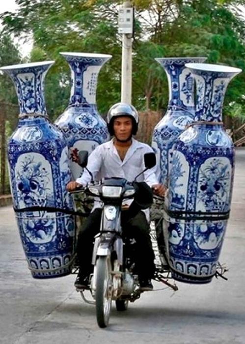 Перевозчик китайских ваз.