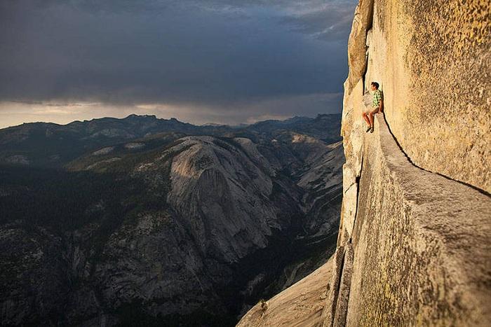 Alex Honnold - один из самых отчаянных альпинистов, лазающих без страховки.
