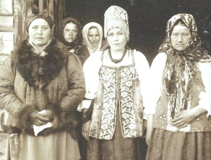 Как на Руси девушек по статусу различали.