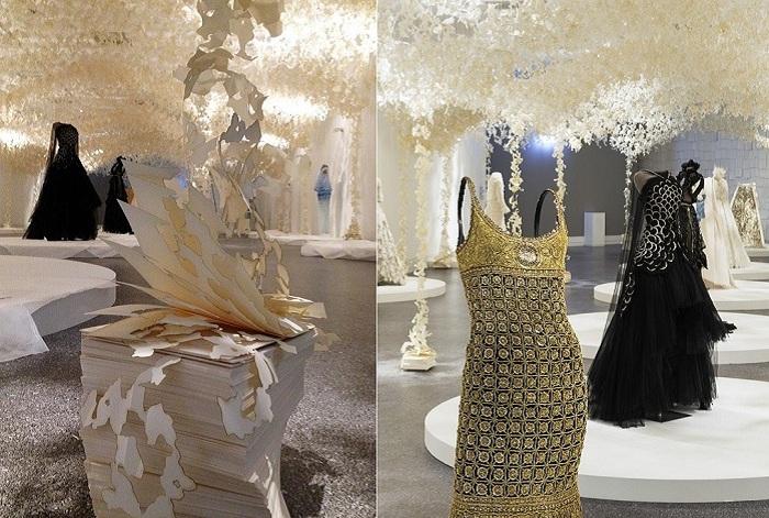 Modemethode - выставка лучших образцов платьев от Карла Лагерфельда.