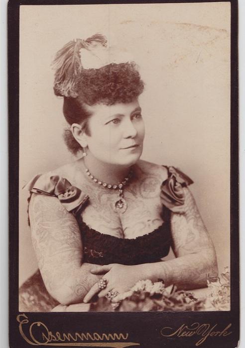 «Татуированная леди» Нора Хильдебрандт. Фото ок. 1880 г.