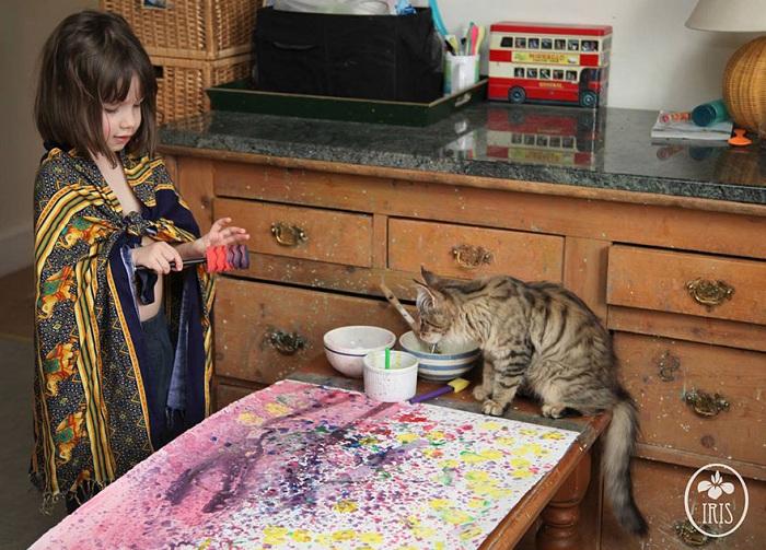 У девочки, страдающей аутизмом, огромный талант к рисованию.