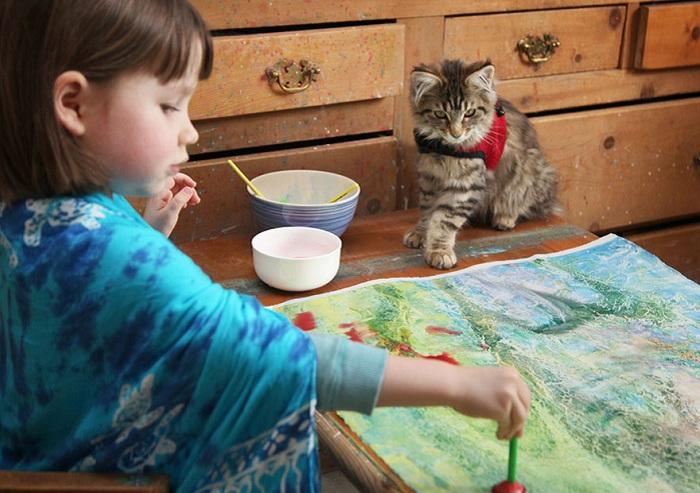 Картины маленькой девочки покупают коллекционеры.