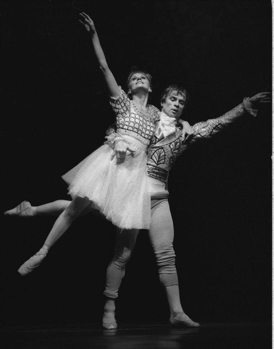 Рудольф Нуреев и Мерли Парк во время генеральной репетиции в опере West Berlin's Opera, 1979 год.