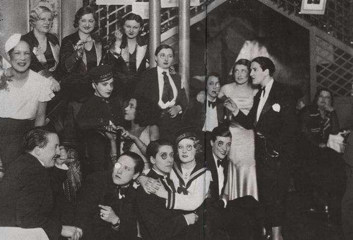 Все члены ночного клуба Le Monocle были женщинами.