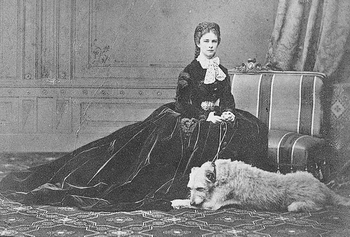Елизавета - императрица, погибшая от рук анархиста.