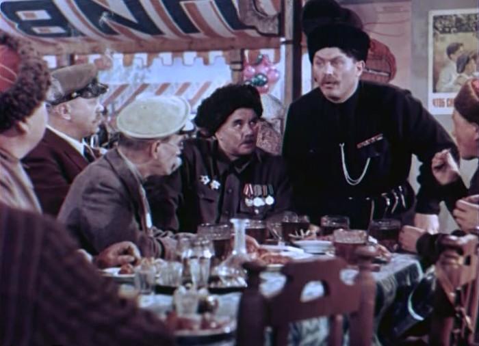 Кадр из к/ф «Кубанские казаки» (1949). | Фото: kinodisk.com.