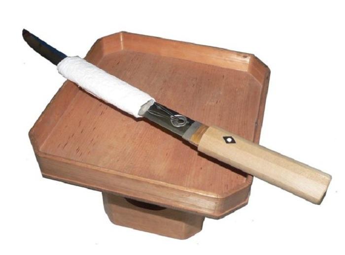 Танто - нож, подготовленный для обряда сэппуку. | Фото: thevintagenews.com.