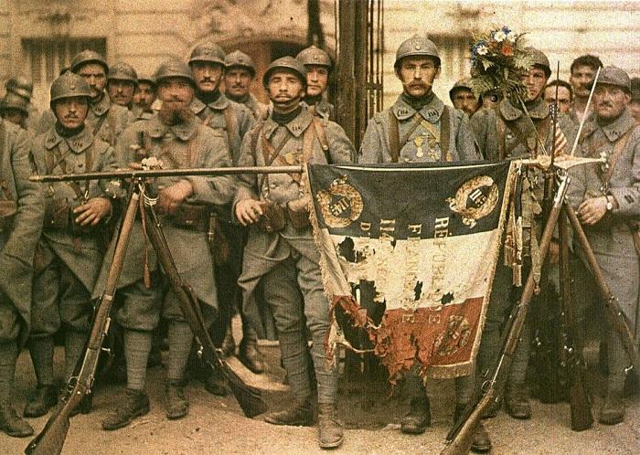 Французская пехота, 1917 год. | Фото: allday.com.