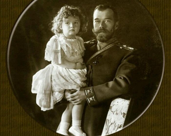 Николай II с наследником Алексеем.