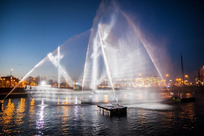 «Корабль-призрак» - трехмерная инсталляция в Амстердаме.