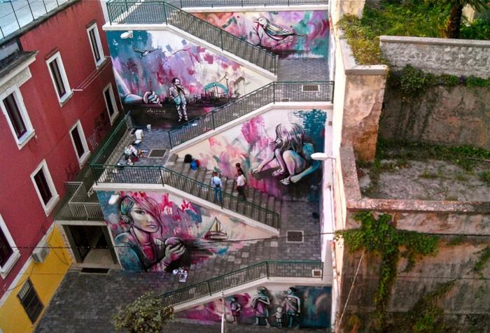Лестничный переход в городе Салерно (Италия).