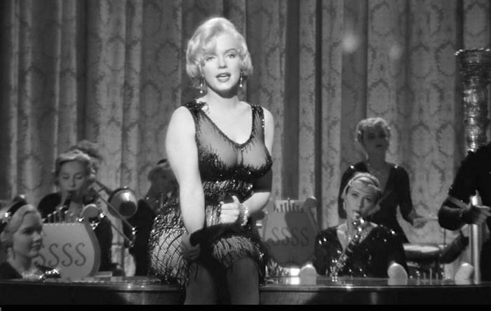 Актриса Мэрилин Монро в образе Душечки.
