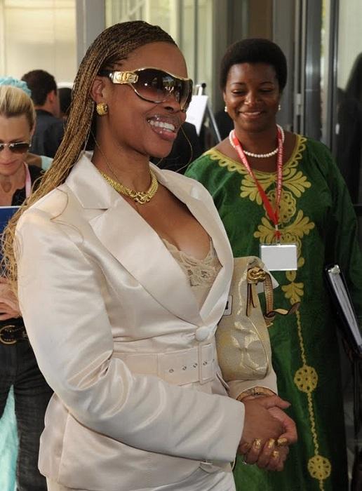 Ана Паула душ Сантуш - бывшая стюардесса и фотомодель, а сегодня супруга президента Анголы. | Фото: thejizn.com.