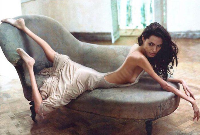 Актриса Анджелина Джоли в серии фотожаб Anorexic Celebrities.