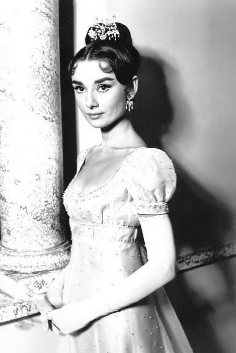 Одри Хепберн в роли Наташи Ростовой из к/ф «Война и мир» (1956). | Фото: g.io.ua.