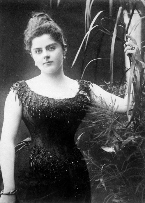 17-летняя любовница кронпринца Рудольфа Мария Вечера. | Фото: upload.wikimedia.org.