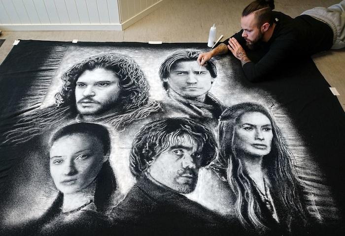 Портреты персонажей сериала «Игра Престолов», нарисованные солью.