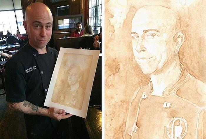 Художник Kyle Bice нарисовал пивом свой автопортрет.