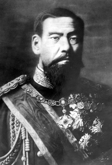 Японский император Мэйдзи в 1890 году. | Фото: de.academic.ru.