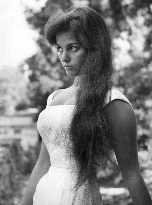 Клаудия Кардинале - популярная актриса с 1960-х и по сей день. | Фото: thevintagenews.com.