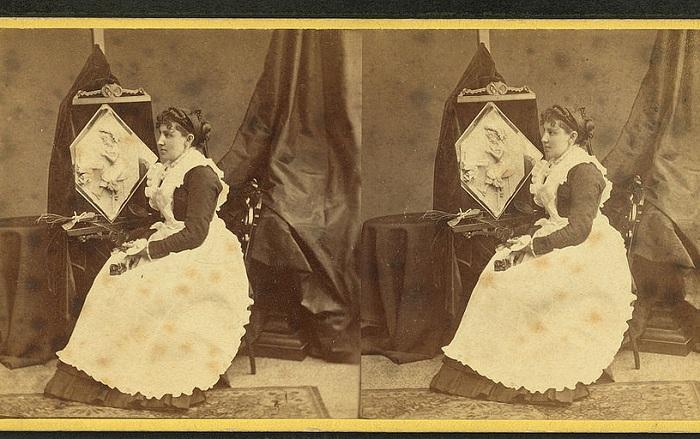 Caroline S. Brooks и ее работа из масла на выставке в Armory Hall, 1877.