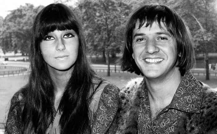 ПЕвица Шер и ее бывший муж музыкант и продюссер Сонни Боно. | Фото: peopletalk.ru.