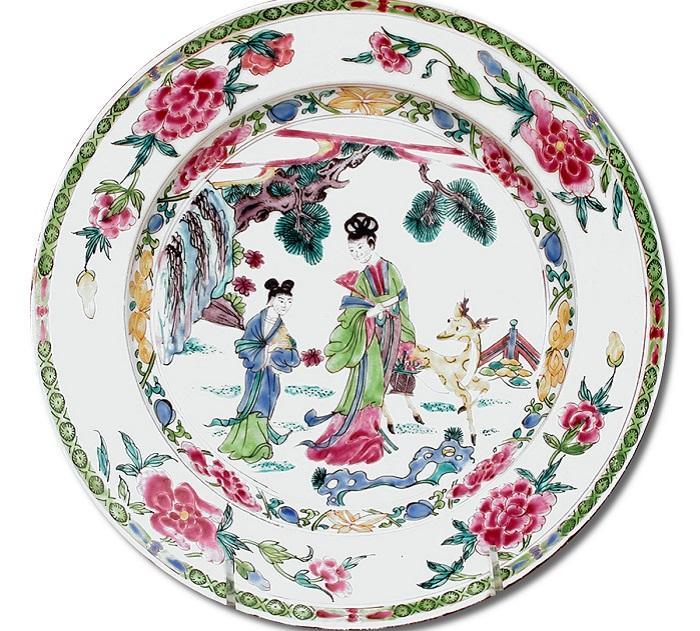 Фарфоровая тарелка британского производства, 1755 год. | Фото: fiveminutehistory.com.