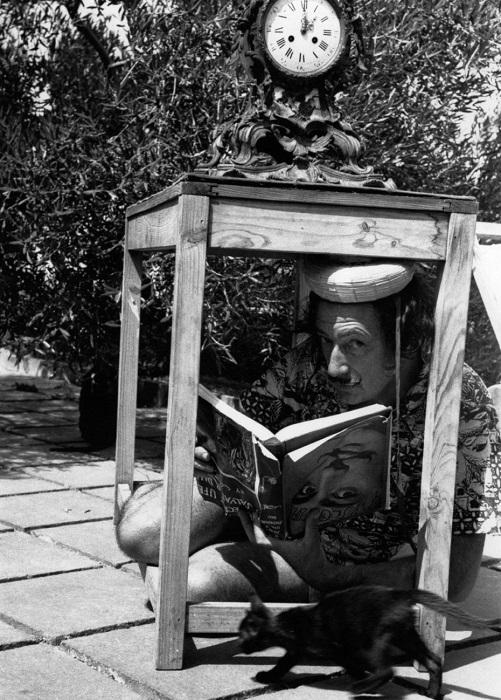 Гений эпатажа Сальвадор Дали. | Фото: messynessychic.com.