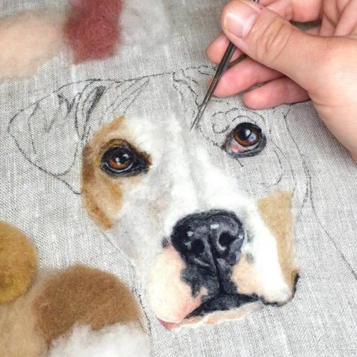 Процесс вышивки шерстью. Автор Dani Ives.