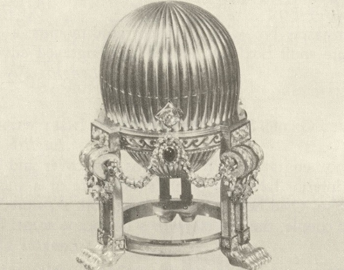 Яйцо Фаберже -<br> подарок императора Александра III супруге Марии Федоровне на Пасху в 1887 году.   Фото: borisliebkind.livejournal.com.