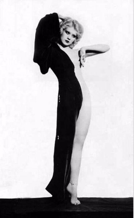 Фейт Бекон - танцовщица бурлеска. | Фото: vintag.es.