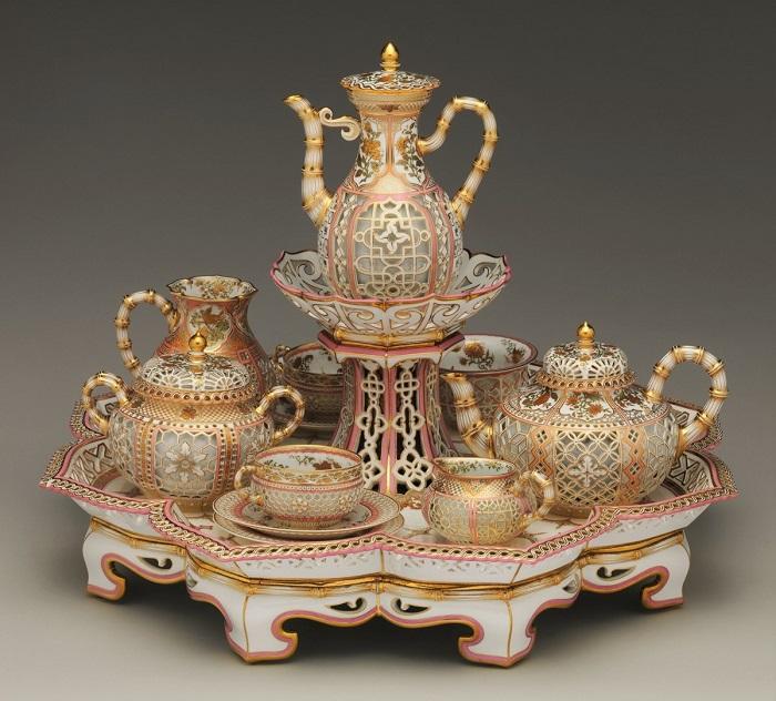 Кофейно-чайный сервиз шинуазери, 1855 год. | Фото: fiveminutehistory.com.