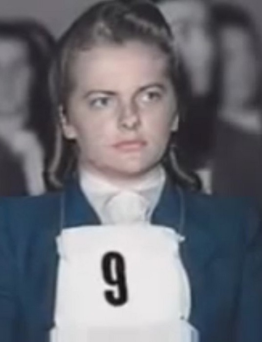 Ирма Грезе во время Бельзенского процесса. | Фото: ostashkov.ru.