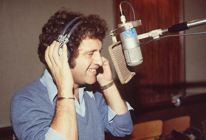 Джо Дассен на записи очередного альбома.   Фото: im8.kommersant.ru.
