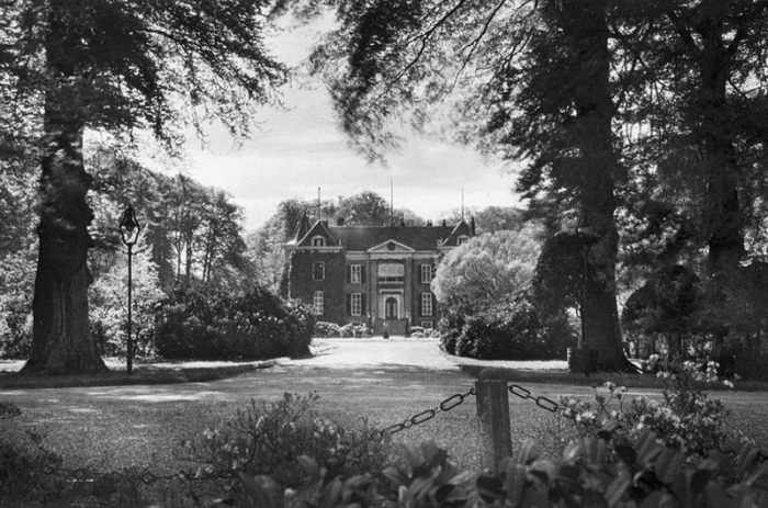 Замок Дорн, 1920 год. | Фото: fiveminutehistory.com.