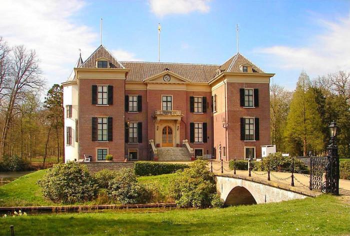 Замок Дорн. | Фото: fiveminutehistory.com.